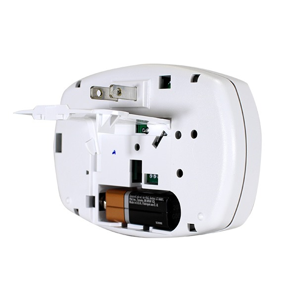 First Alert Plug-In Carbon Monoxide Alarm CO605 Bundle