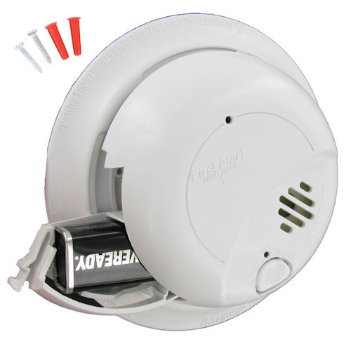 First Alert 120VAC Hardwired Smoke Alarm with Battery Backup - SA9120BCN (1039816)