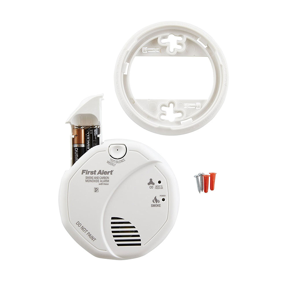 First Alert Battery Operated Talking Combination Smoke and Carbon Monoxide Alarm - SCO7CN (1039824)