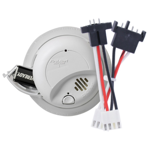 First Alert Hardwired 120-Volt AC Smoke Alarm with Adapter Plugs - SA9120BPCN (1039809)