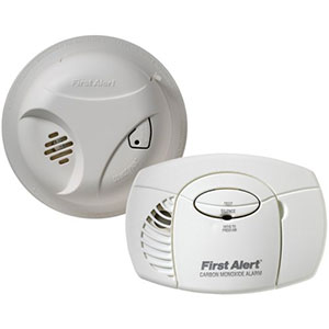 First Alert SCO403 Carbon Monoxide and Smoke Detector Combo Pack (1039879)